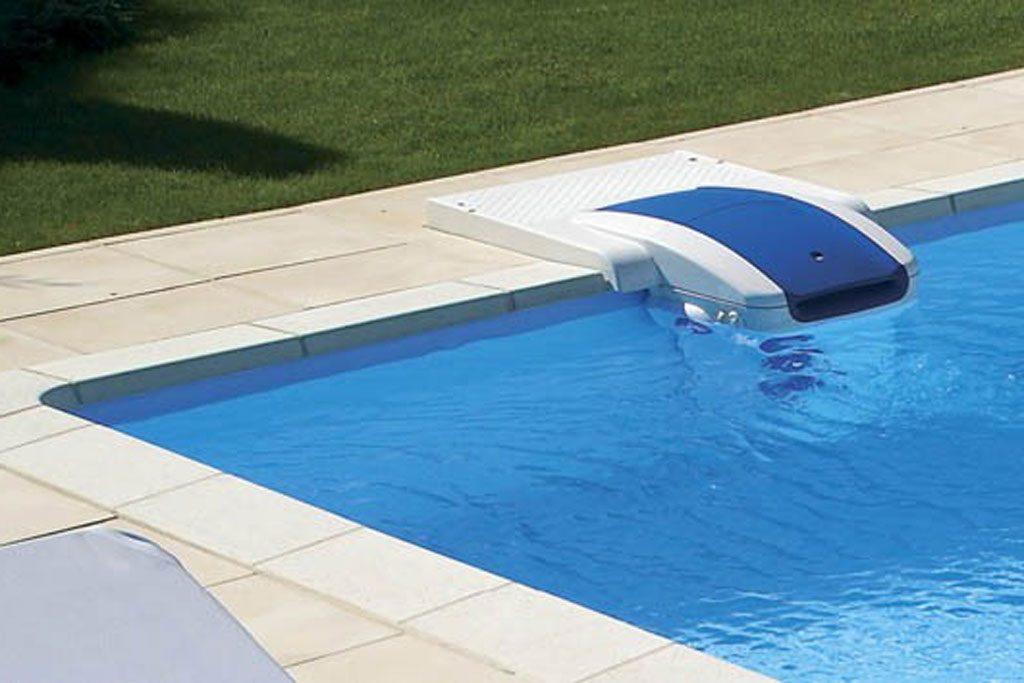 Обустраиваем бассейн всем необходимым
